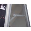 Protetto da una pellicola di protezione antiriflesso, l'espositore è assolutamente resistente alle intemperie